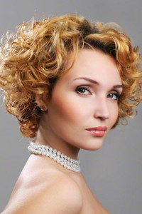 4Cute-hairstyles-for-curly-hair