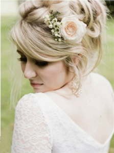50-romantic-hairstyles-using1-flowers_副本