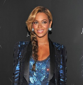 Beyonce kept her locks in order with a stylish sidebraid straight out of The Hunger Games.