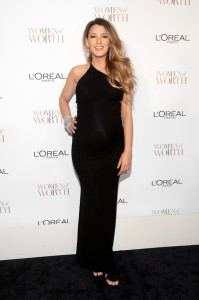 blake-lively-dec-2-2014-front-gty-1
