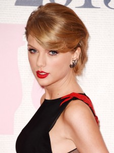 taylor-swift-brit-awards-2015-brits2