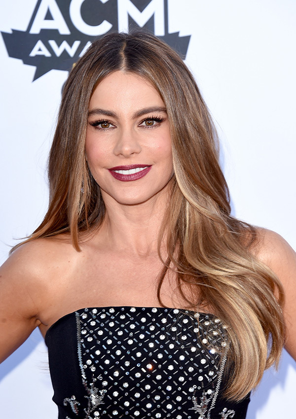 sofia-vergara-acm-awards-20151