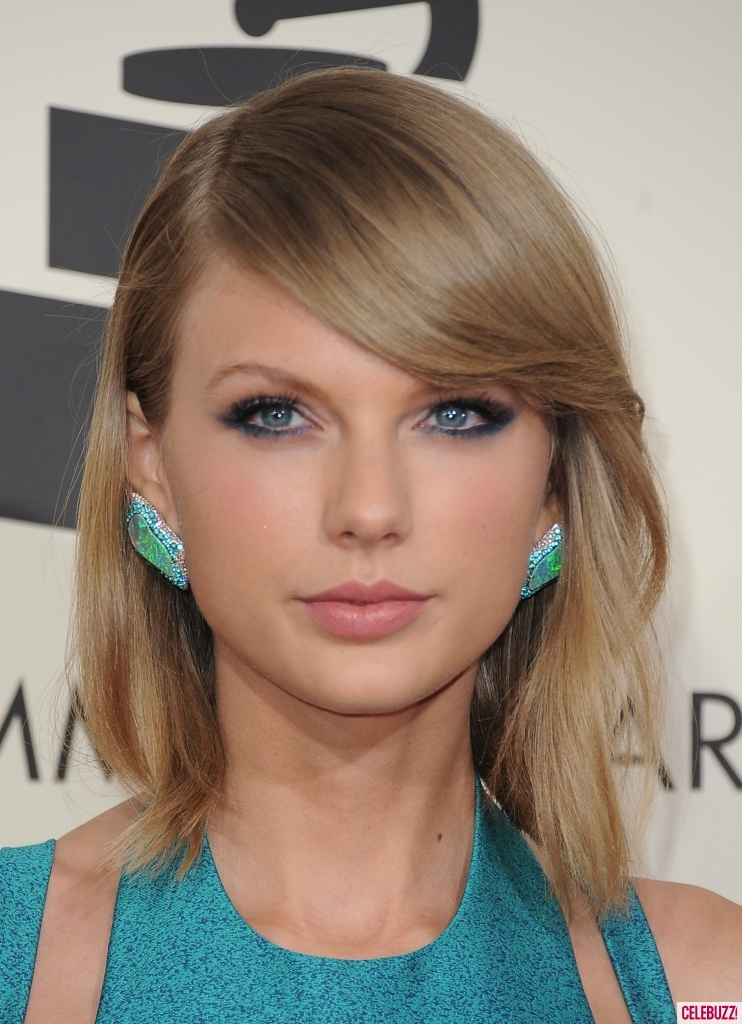 Taylor Swift Rocks Her Lob In 4 Ways Admire Her Beauty And